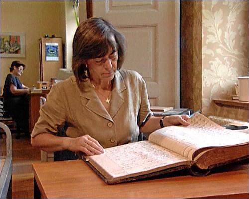 Viele Stunden verbringt Gisela Blume bei der Recherche im Fürther Stadtarchiv