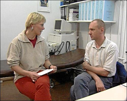 Nach langer Suchen hat Rainer eine Ärztin gefunden, die seinen Umgang mit der Krankheit akzeptiert.