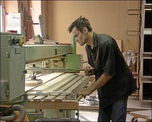Die Handwerker und Künstler arbeiten nebeneinander; dabei sind auch enge Freundschaften entstanden