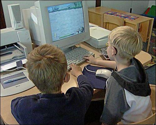 20 Minuten pro Tag darf jedes Kind im Kindergarten an den Computer, die restliche Zeit muss es sich mit anderen Dingen beschäftigen