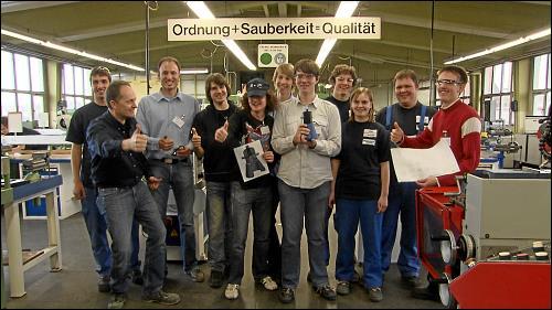 Schüler des Pirckheimer-Gymnasiums beim Partnerunternehmen Federal Mogul