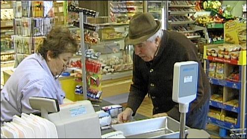 Wo sollten die weitgehend immobilen Alten sonst einkaufen?