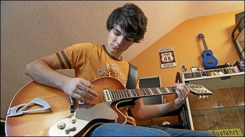 Schon in frühester Kindheit entdeckte Dominik seine Leidenschaft für Musik