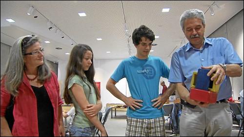 Familie Malowaniec im Mathematikum: Das Interesse ihrer Kinder zu fördern, war den Eltern immer wichtig