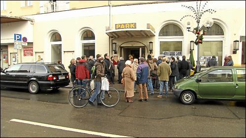 Menschenandrang am »Tag der offenen Tür« im Parkhotel