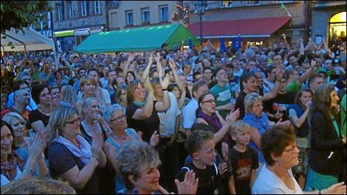 Das Fürth Festival zieht viele Menschen in die Gustavstraße