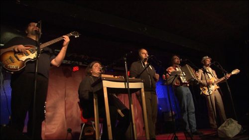 Mit der Band »Fast zu Fürth« stand Philipp bereits seit den 1990er Jahren auf der Bühne