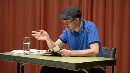 Lesung in Dorfen – hier fand 1988 der Amoklauf statt, der seinem Roman »Fronten« als Basis diente