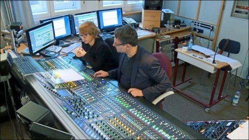 »Floating Food« ist bereits die zweite CD, die Rebecca Trescher mit ihrem Ensemble 11 in den Studios des Bayerischen Rundfunks in Nürnberg produziert