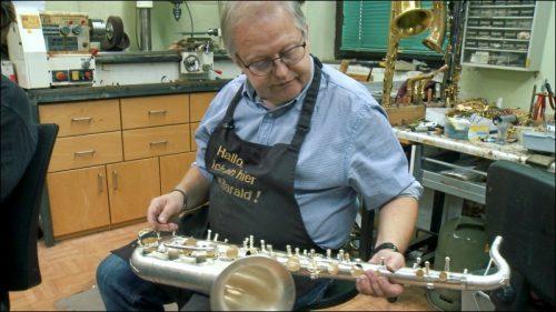40 bis 60 Arbeitsstunden stecken in einem handgefertigten Instrument aus der Werkstatt des Instrumentenbauers Harald Dallhammer
