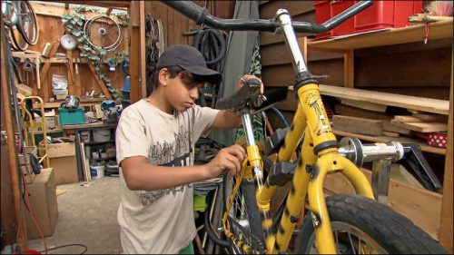 Eine Fahrradwerkstatt gibt es auf dem AKI auch. Für Kevin war dies der erste Anreiz, herzukommen.