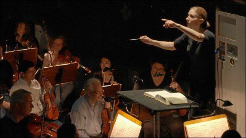 Generalmusikdirektoren Joana Mallwitz bei der Orchesterprobe