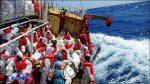 Die 'Seefuchs' mit Flüchtlingen an Bord auf der Suche nach einem 'port of safety'