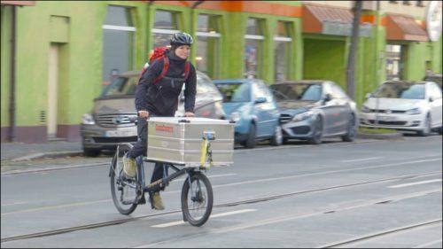 Paket-Zustelldienste liefern mit Lastenrad im Innenstadtbereich oft schneller als ein Zusteller mit dem Kraftfahrzeug.