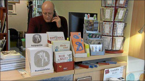 Bei Bücher Edelmann ist man weiter für die Kunden da und liefert persönlich.