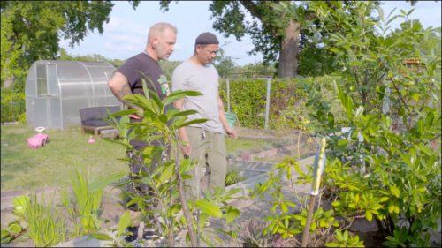 Den grünen Daumen müssen sich Julian und Otto erst noch erarbeiten. Vielversprechende Ansätze kann man in ihren Gärten in der Anlage Eichendorffstraße jedoch schon erkennen.